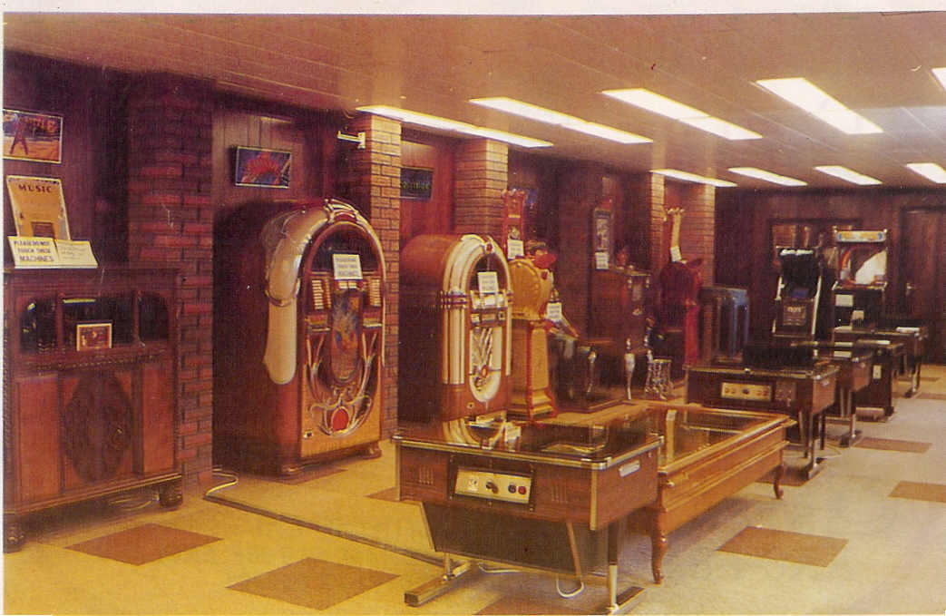 1. Game World Showroom 1981_001.jpg