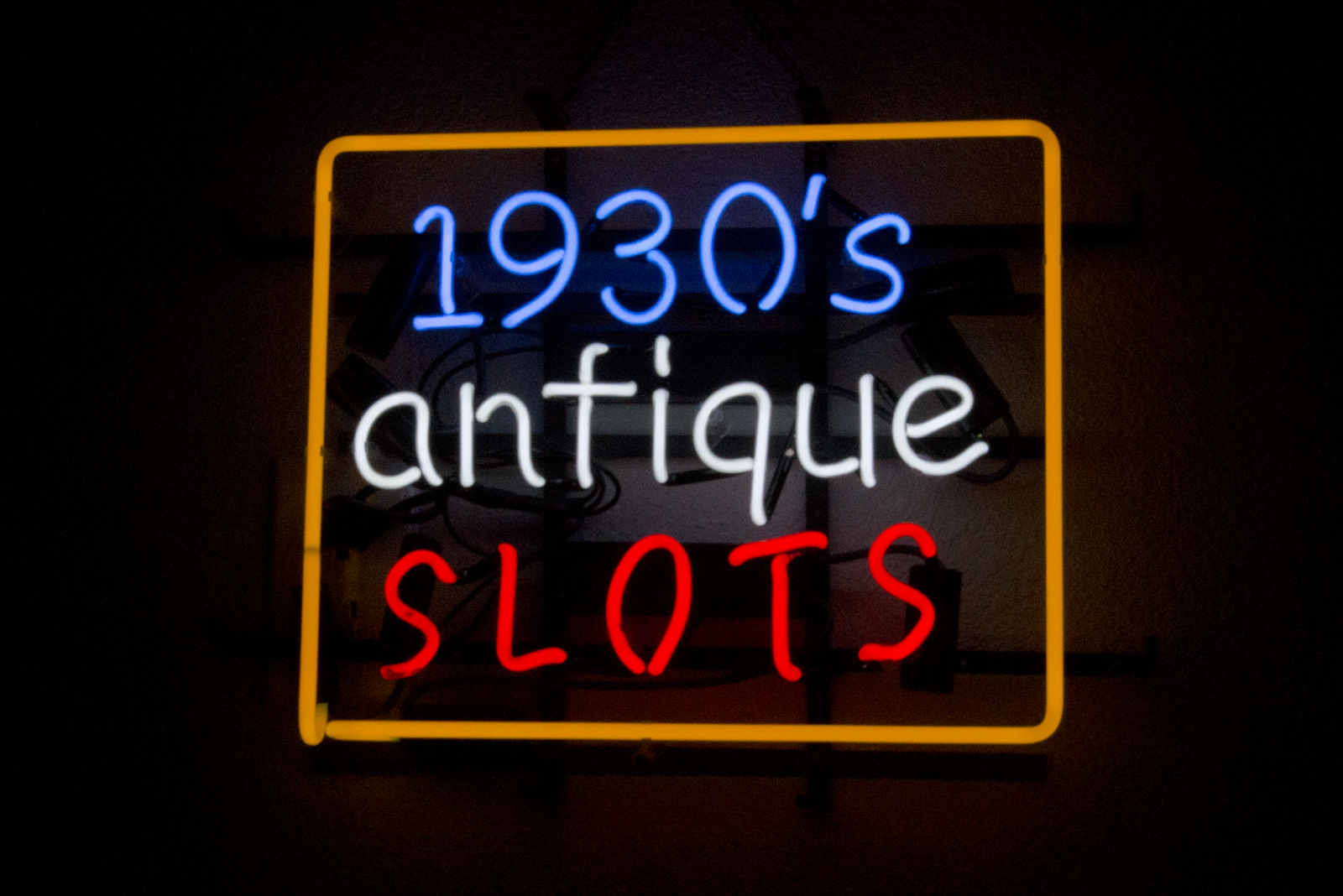 1930s_antique_slots.jpg