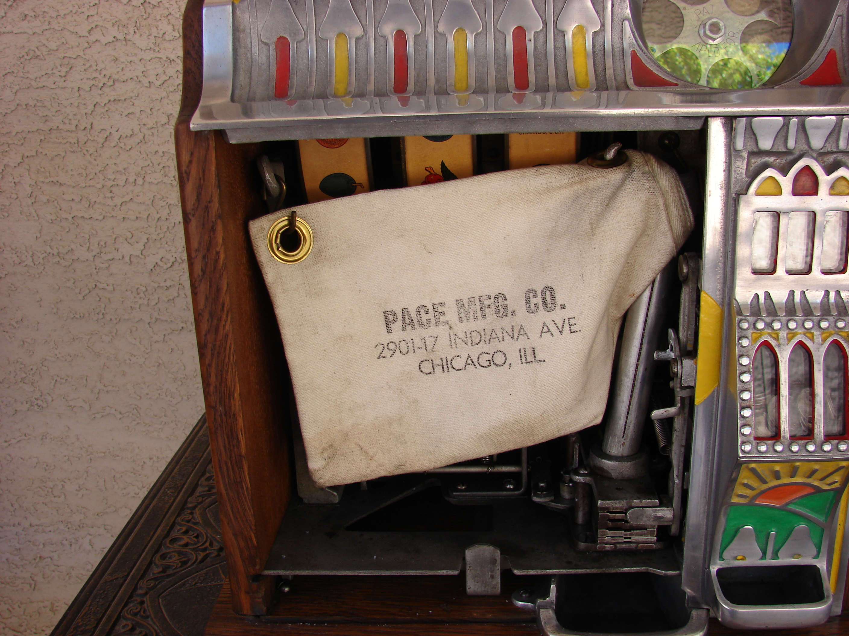 PACE BANTAM SLOT MACHINE 015.JPG